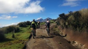 tours en ecuador, programas de ciclismo ecuador, tour bicicleta cotopaxi, paquetes turisticos ecuador, agencia de viajes quito, viaja primero ecuador