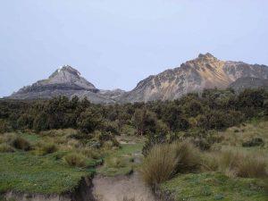 volcan illinizas tour